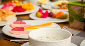 dovga-national-azerbaijani-soup-bowl_176474-2406